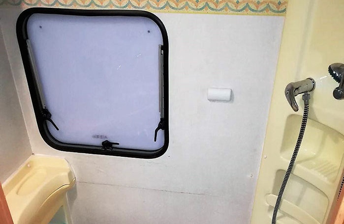 fiat mclouis lagan 420 interior banio ducha ventana